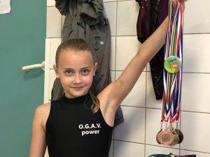 Naomi (10): 'Bij turnen kan ik gewoon mezelf zijn'   Jeugdfonds Sport & Cultuur