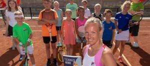 Opbrengst boek 'Tennis met Kiki' naar Jeugdfonds Sport & Cultuur