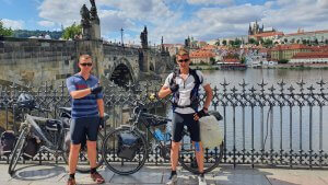 Niels en Johan fietsen voor Jeugdfonds Sport & Cultuur