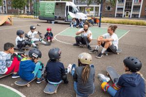 Jongerenwerker Mick Wiertz 'Jongeren hebben behoefte aan nieuwe uitingsvormen'